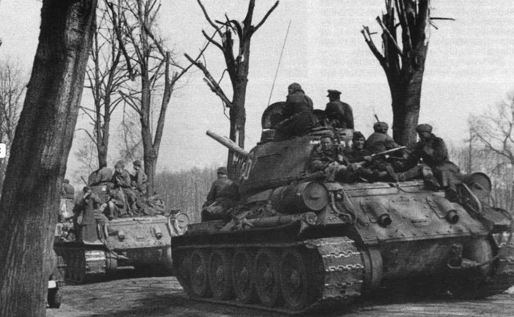 Soviet 2nd Guards Army Tanks world war II germany