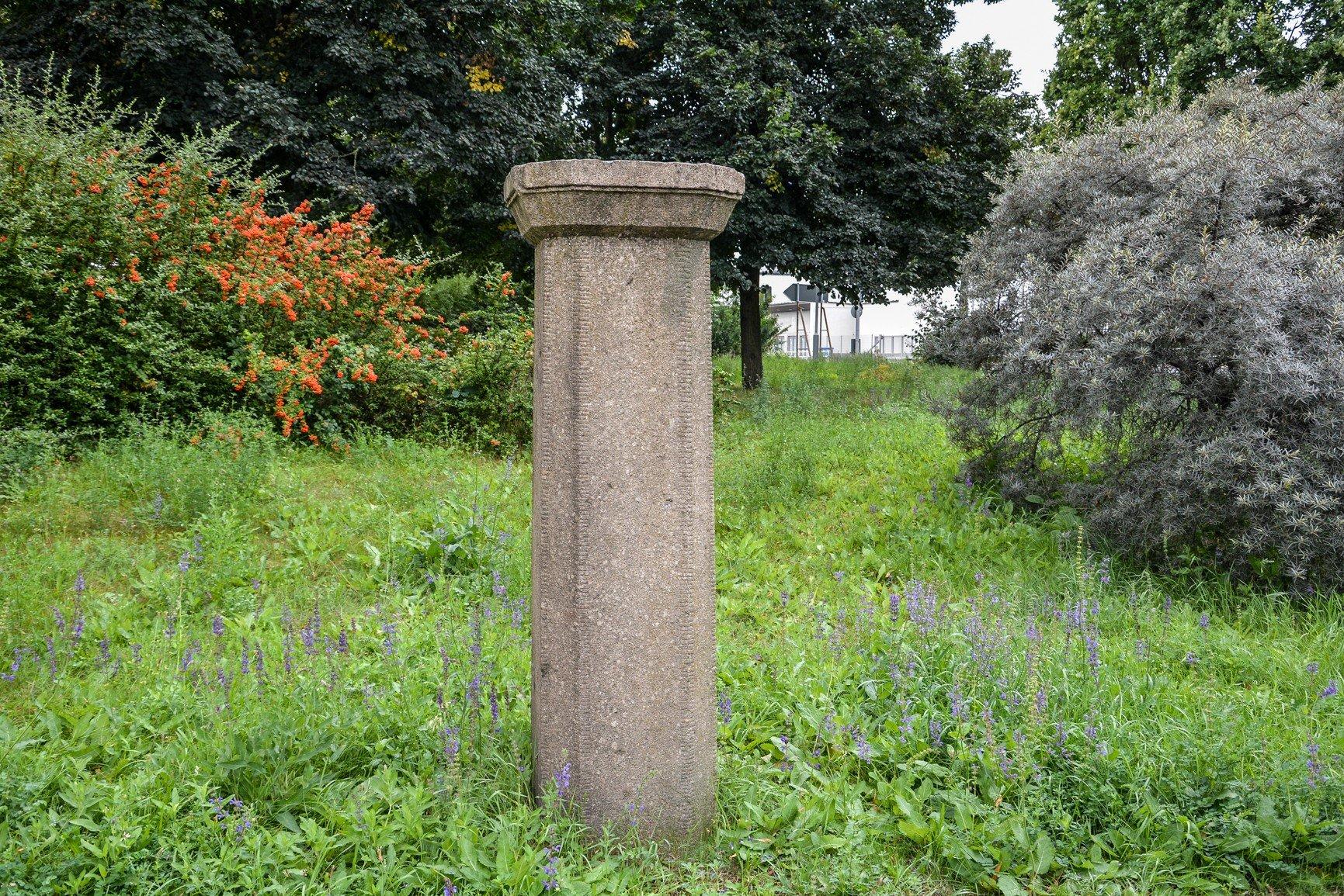 avus granitsäule berlin denkmal berlin